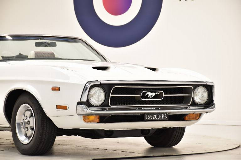 FORD Mustang 77