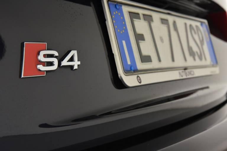 AUDI S4 58