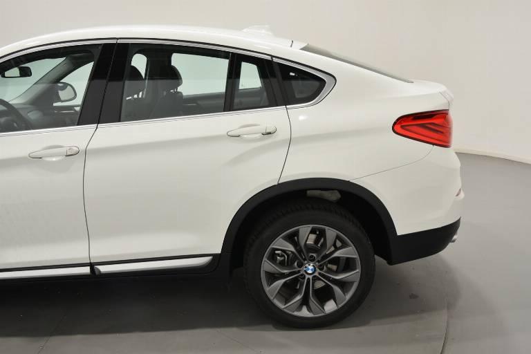 BMW X4 58