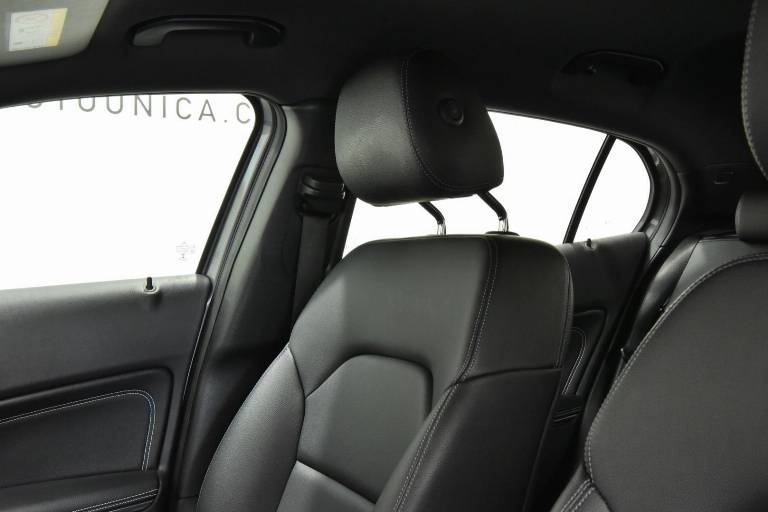 MERCEDES-BENZ GLA 200 41