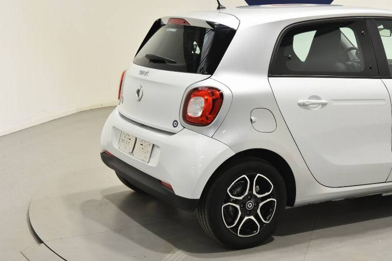 SMART ForFour 18