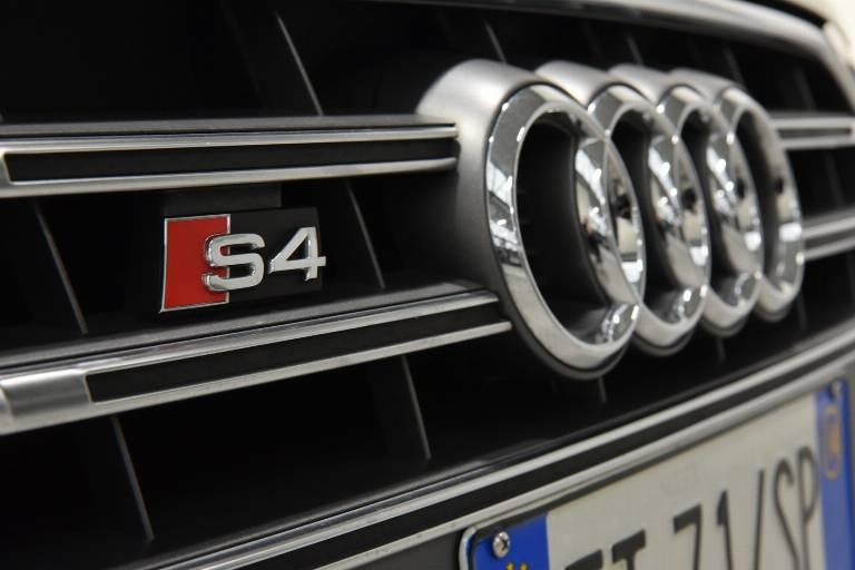 AUDI S4 52