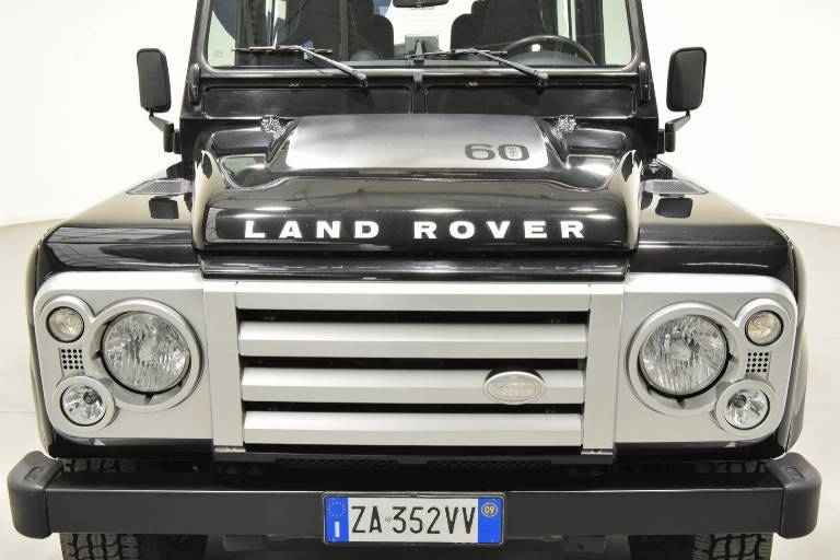 LAND ROVER Defender 73