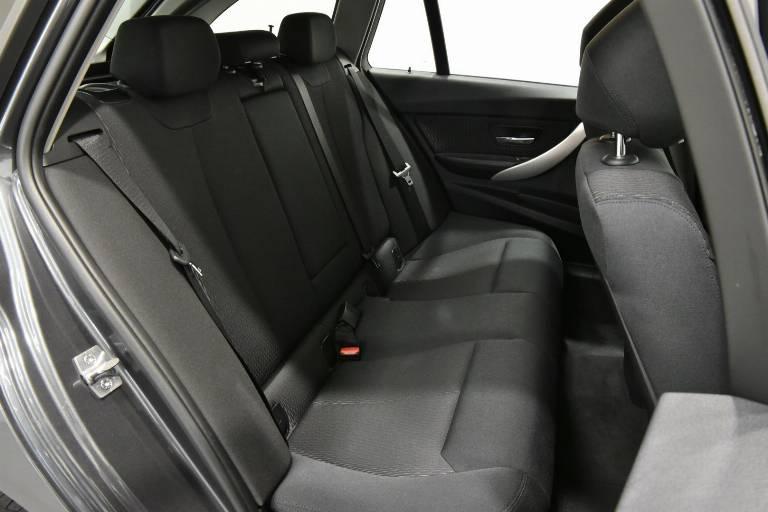 BMW 320 48