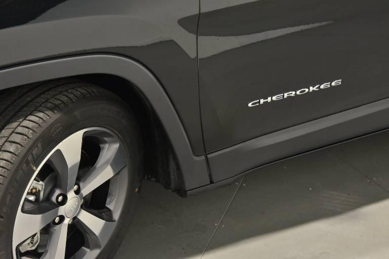 JEEP Cherokee 68