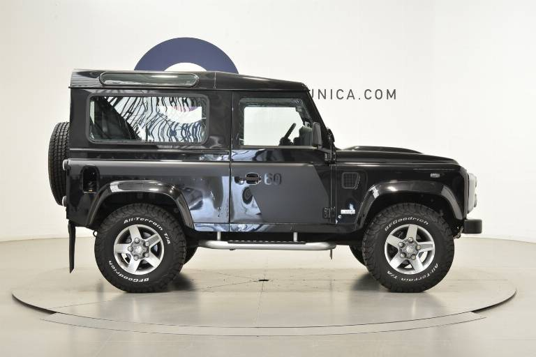 LAND ROVER Defender 29