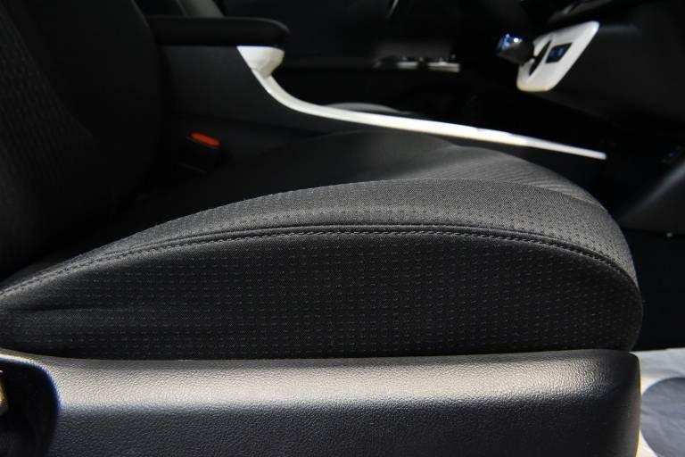 TOYOTA Prius 46