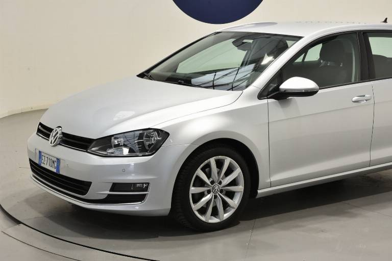 VOLKSWAGEN Golf 49