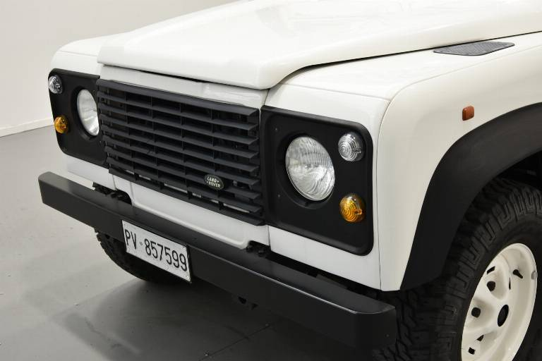 LAND ROVER Defender 49