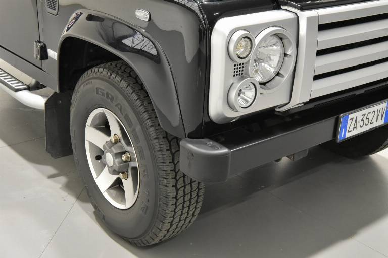 LAND ROVER Defender 71