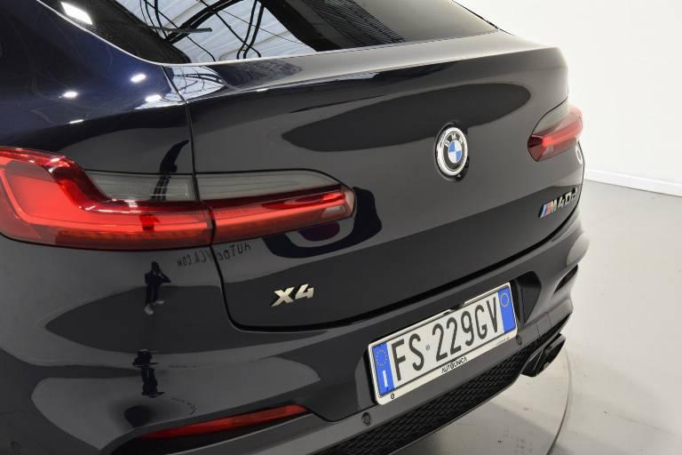 BMW X4 54