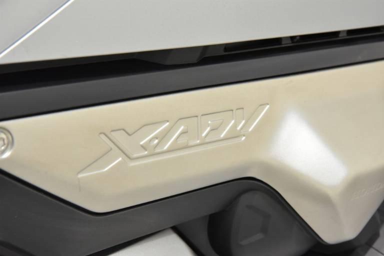 HONDA X-ADV 750 20
