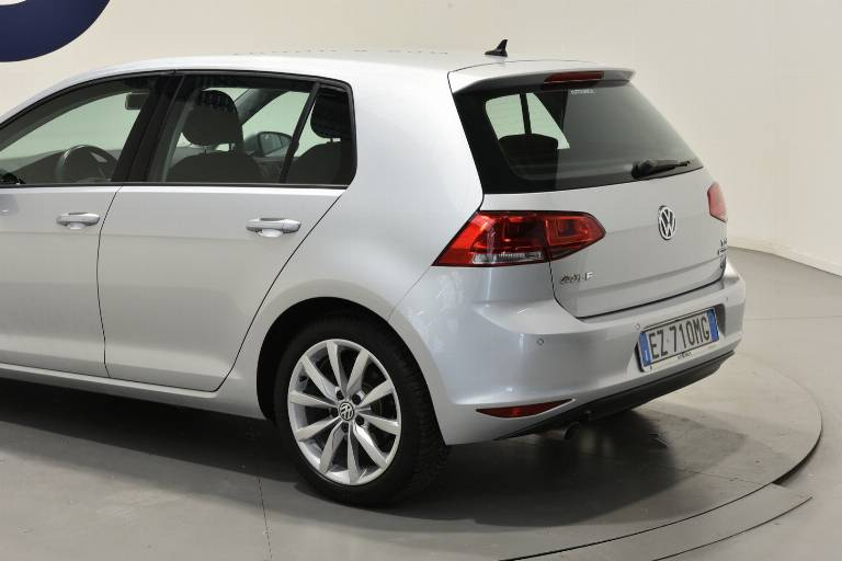 VOLKSWAGEN Golf 50