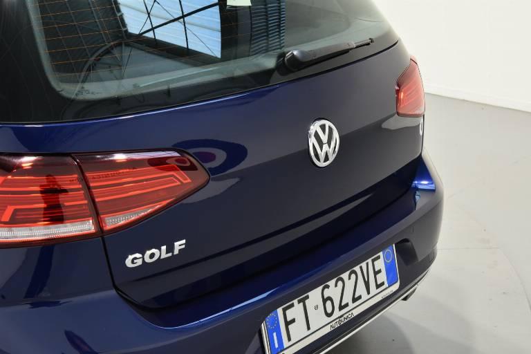 VOLKSWAGEN Golf 63