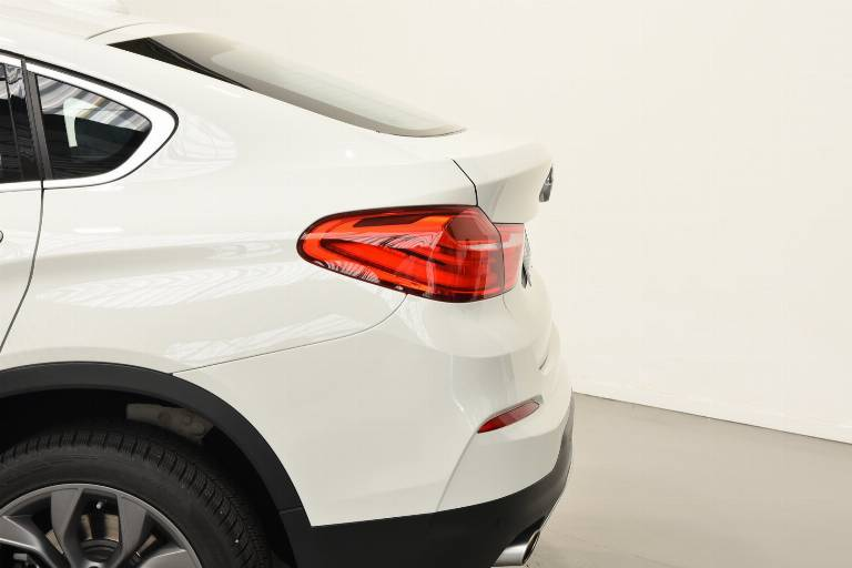 BMW X4 38