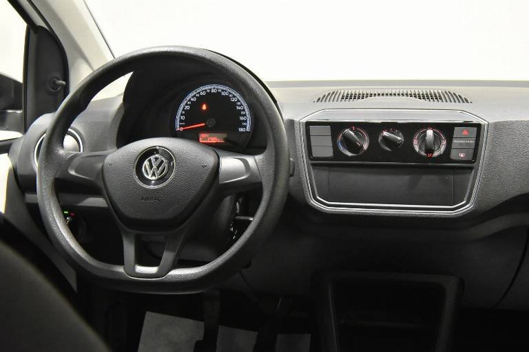 VOLKSWAGEN Up! 23