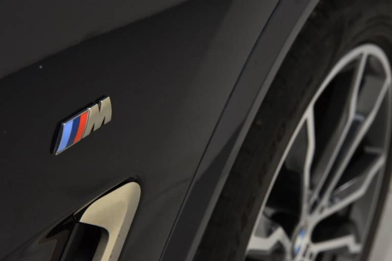BMW X4 56