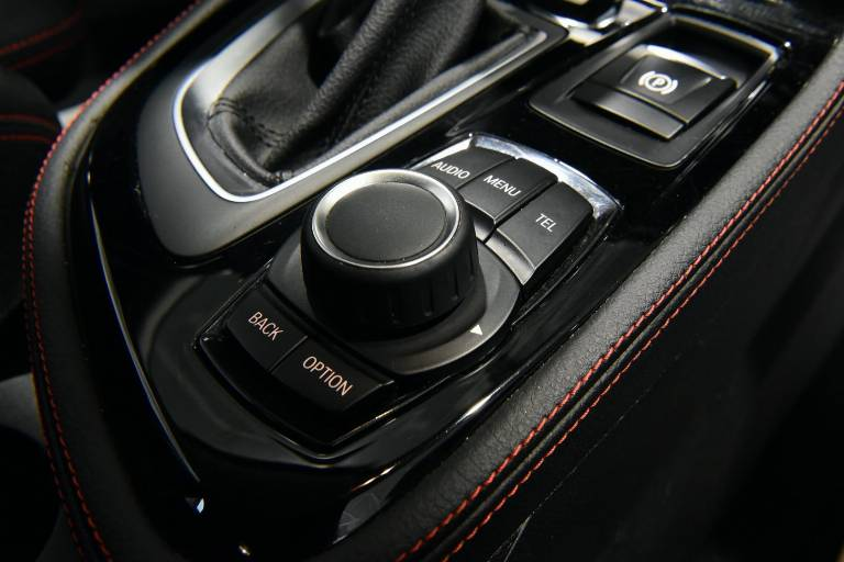 BMW 218 44