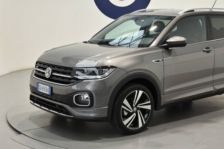 VOLKSWAGEN T-Cross 37