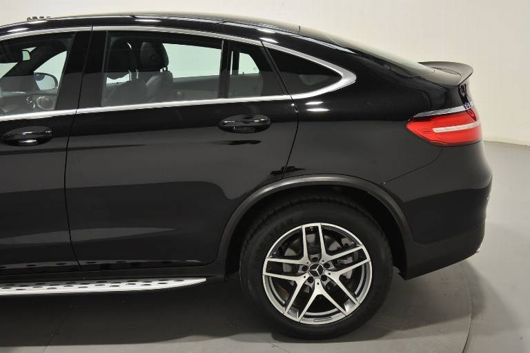 MERCEDES-BENZ GLC 220 54
