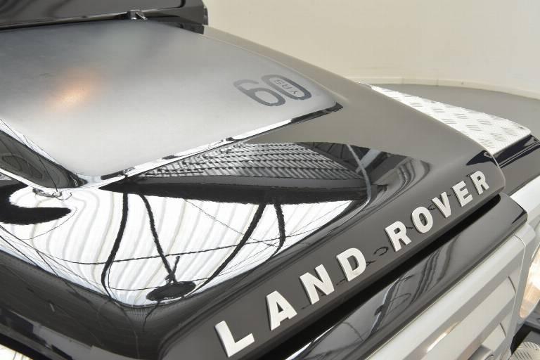 LAND ROVER Defender 86