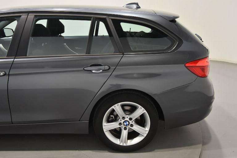 BMW 318 54