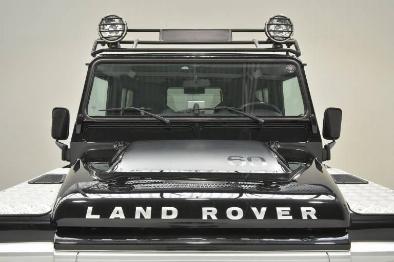 LAND ROVER Defender 74