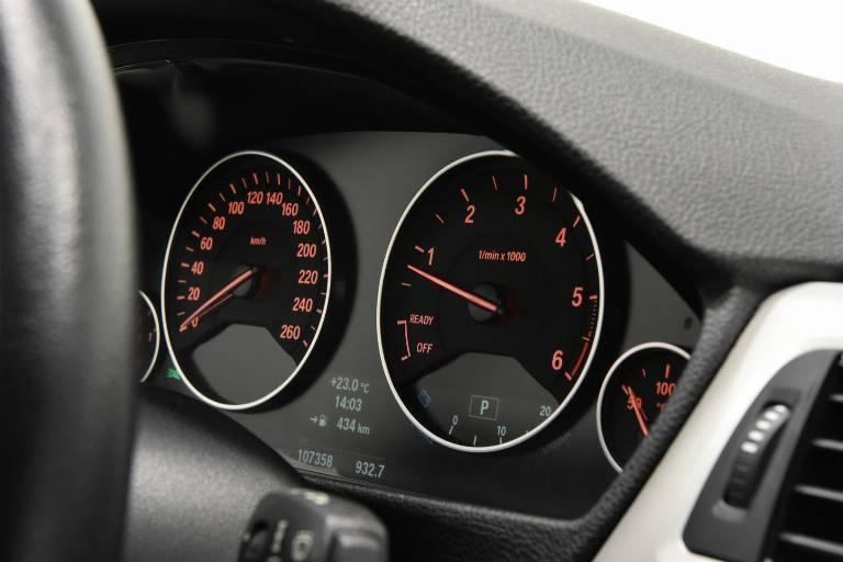 BMW 320 49