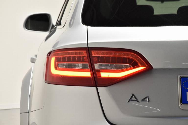 AUDI A4 allroad 56