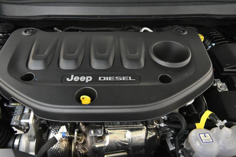 JEEP Cherokee 12
