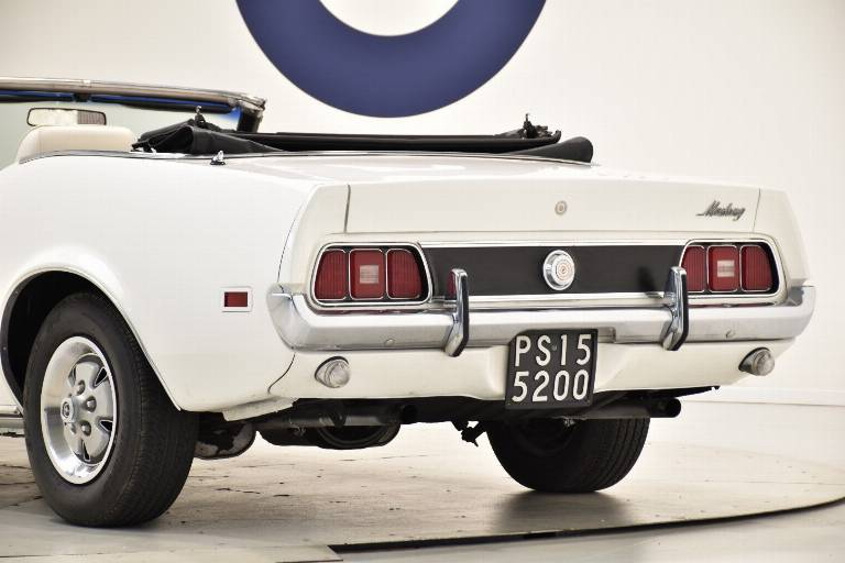 FORD Mustang 85