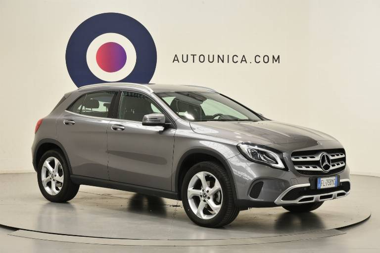 MERCEDES-BENZ GLA 200 29