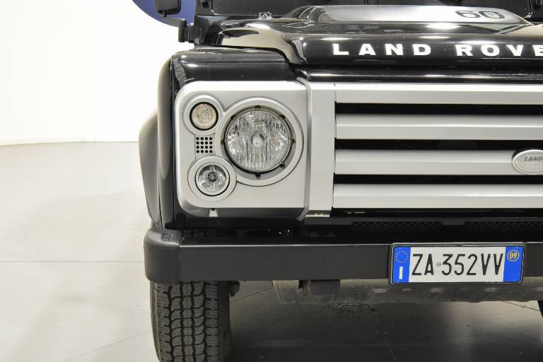 LAND ROVER Defender 75