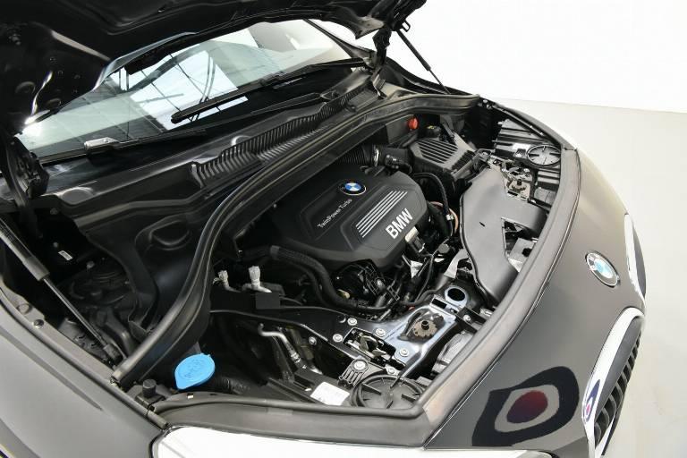 BMW 218 57