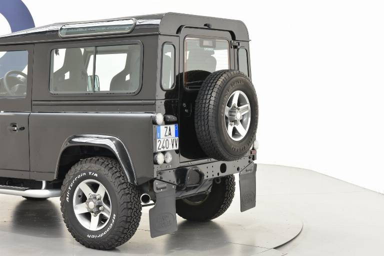 LAND ROVER Defender 58
