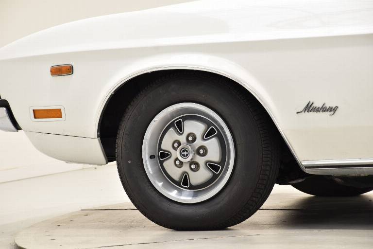FORD Mustang 7