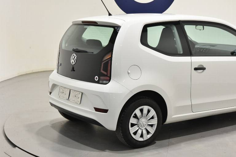 VOLKSWAGEN Up! 18